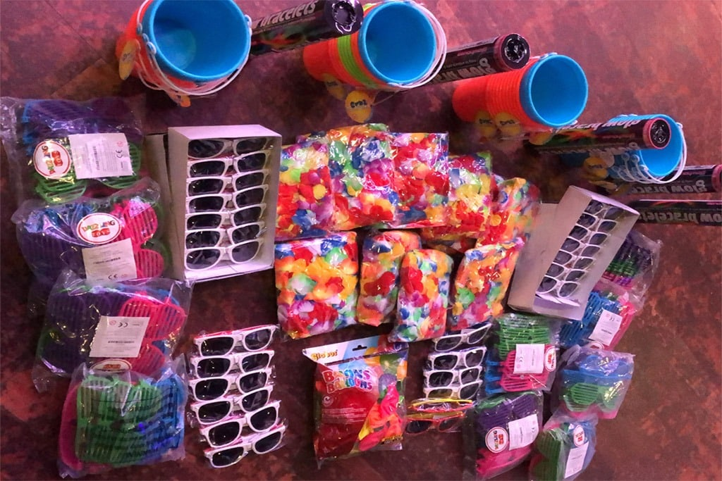 Confetti events with Incredible Events UK. The UK's best themed events, themed party, themed parties, parties, party, club party, nightclub party, themed events, nightclub themed events, club theme, inflatable decor, décor, inflatables, club inflatables, UV parties, Beach Parties, Frat Party, Space theme party, Jurassic theme, flower power theme, zoo party, christmas parties arctic party, snow party, old skool, old school UV, full moon, full moon party, USA party, day of the dead party, Halloween events, uk, night club, nightclub events, decor, themes, confetti parties, club effects, event production, event packages and much more.