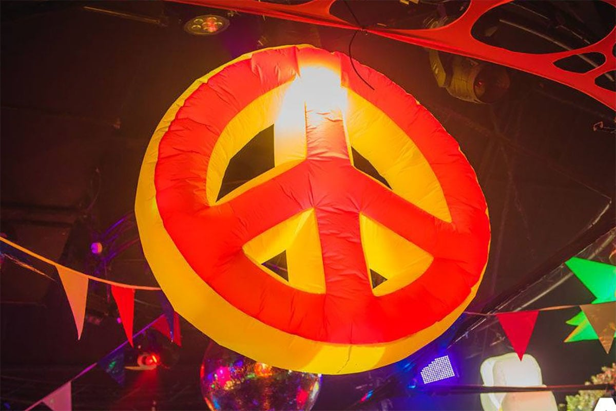 giant inflatable hire, inflatable peace sign, large inflatable peace, inflatable hire, giant inflatable hire, 60's themed event, flower power party, hippy theme hire, flower party, large flower hire, giant peace sign hire gloucestershire, inflatable hire gloucestershire, giant inflatable hire cheltenham, inflatable hire cheltenham, large inflatable hire, giant peace signs..