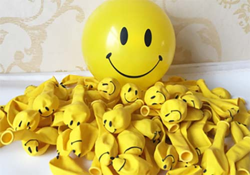 yellow smiley face old skool balloons